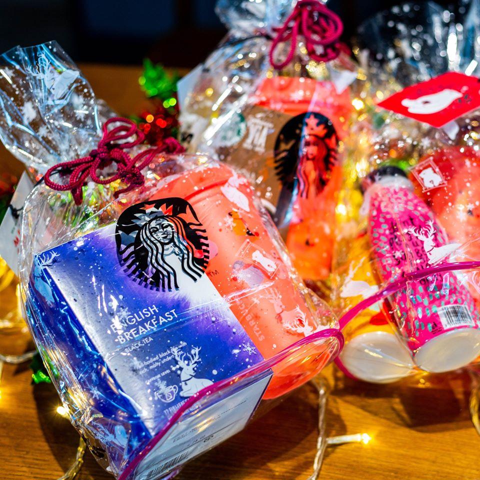 starbucks-holiday-gift-set