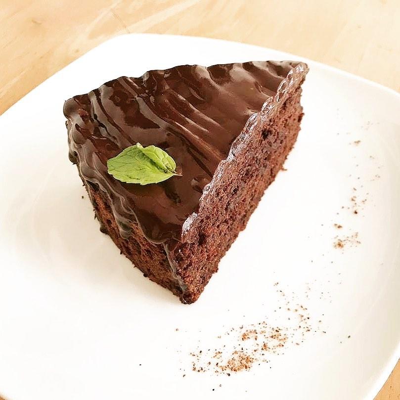 rf-fresh-baked-cakes-4